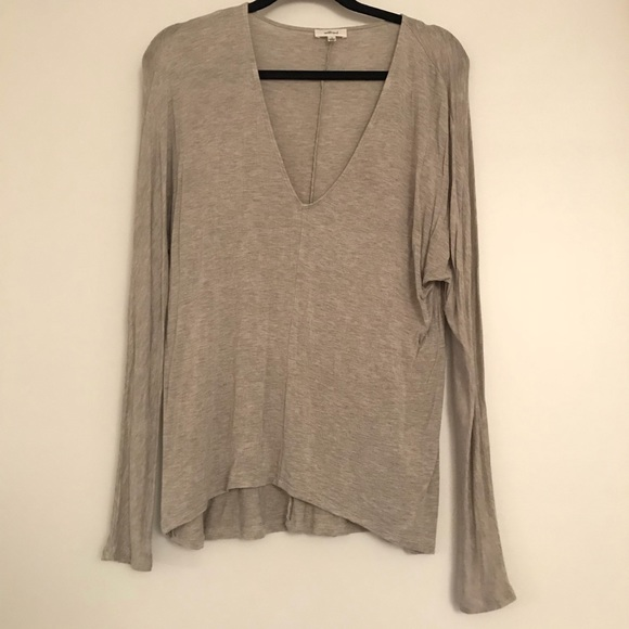 Aritzia Tops - Aritzia - Wilfred soft long sleeve v-neck